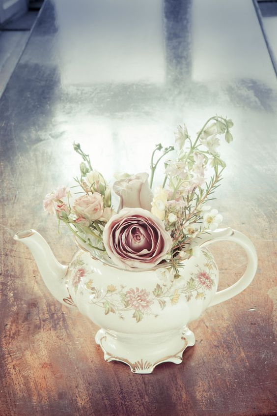 Vintage crockery: more versatile than you think.